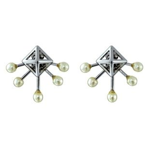 NEW Silver Pyramid Fan Stud Earrings